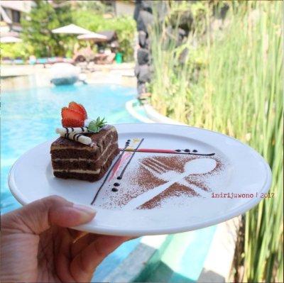40-hotel-villa-lumbung-seminyak-bali-restaurant-tiramisu