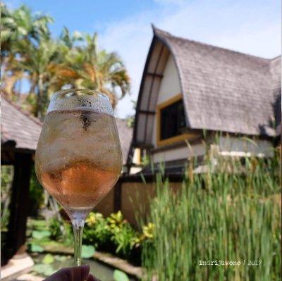 42-hotel-villa-lumbung-seminyak-bali-restaurant-cocktail