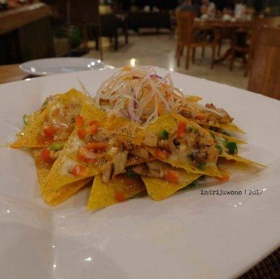 44-hotel-villa-lumbung-seminyak-bali-restaurant-nachos