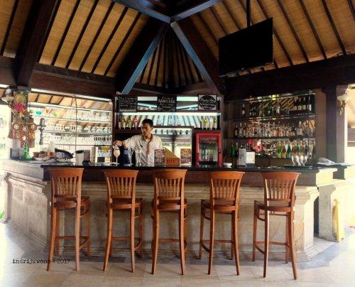 52-hotel-villa-lumbung-seminyak-bali-restaurant-interior