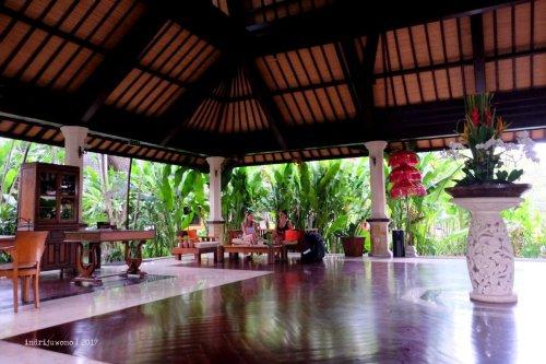 56-hotel-villa-lumbung-seminyak-bali-lobby