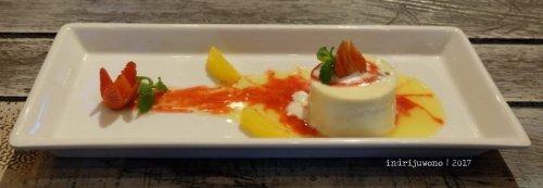 7-de-basilico-the-one-legian-kitchen-restaurant-pudding-pinata